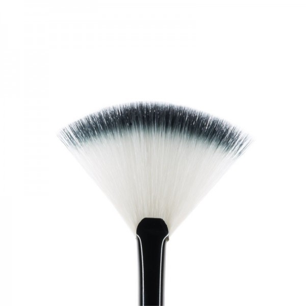 MUA F7 Small Fan Brush