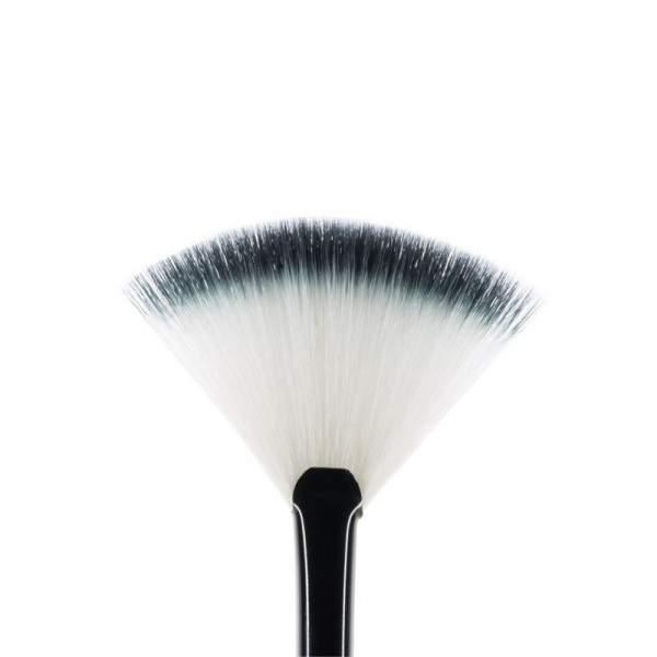 MUA F7 Small Fan Brush